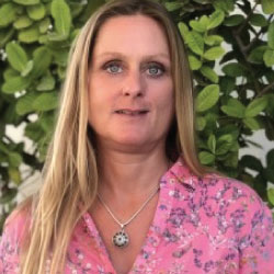 Yvonne<br>Fischer